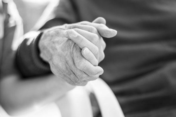 Asistencia sanitaria para personas mayores a domicilio en Barcelona