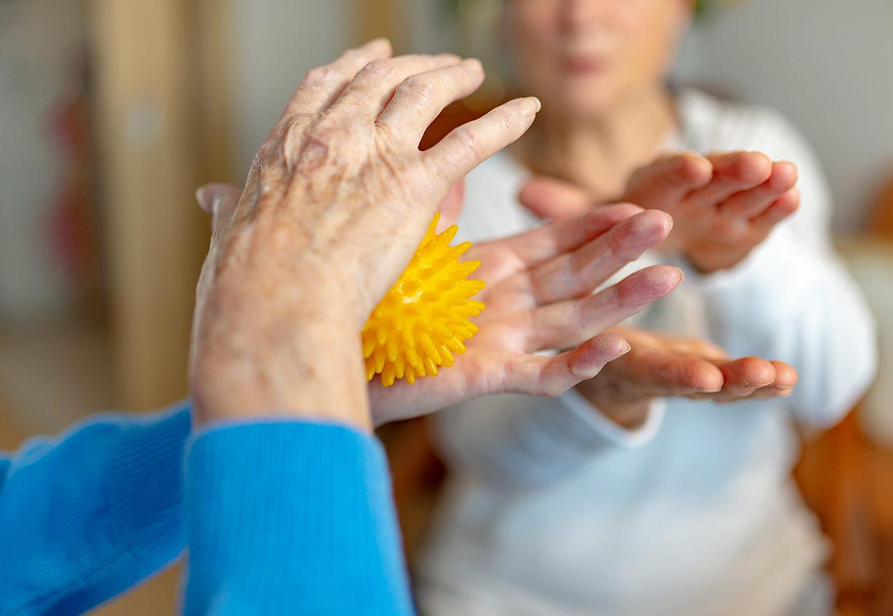 actividades para personas mayores a domicilio en Barcelona